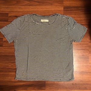 Abercrombie & Fitch Striped Tee Size Small